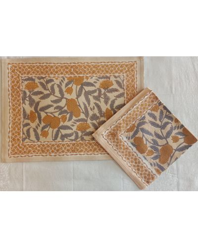 REVERSIBLE PLACEMAT WITH NAPKIN- SET OF 6