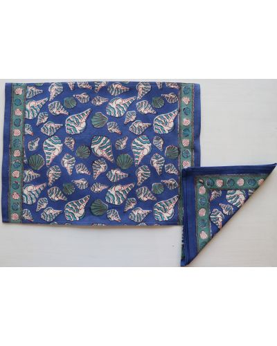 REVERSIBLE PLACEMAT WITH NAPKIN- SET OF 4